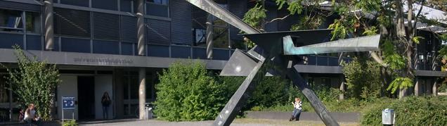 Biblioteki Stuttgartu: krótka charakterystyka zastosowania systemów CMS